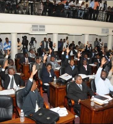 Parlement haïtien-Source : http://maghaiti.com/wp-content/uploads/2013/08/chambre-des-deputes11.jpg