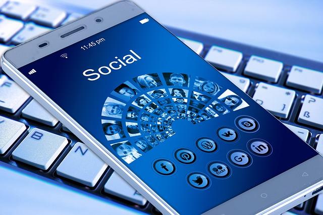 Facebook (C) pixabay.com