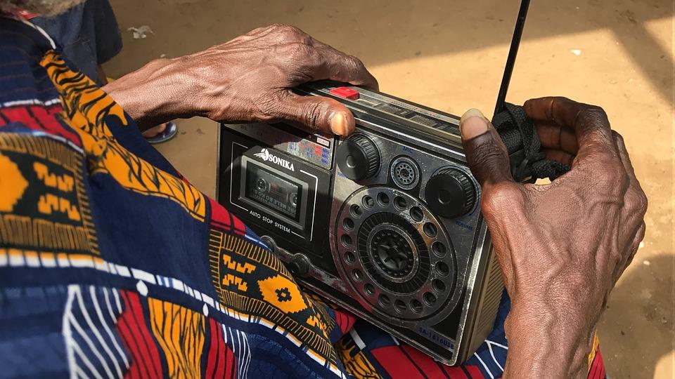Radio Bande FM (C) pixabay.com