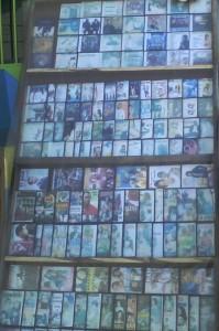 CDs et DVDs en pleine rue ( Crédit Photo: Jérome Osman)