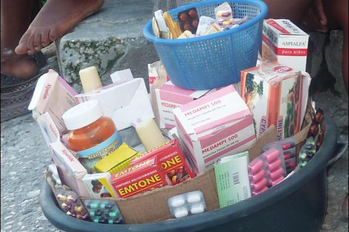 Vente de médicaments illicites en Haïti © lavimiyo