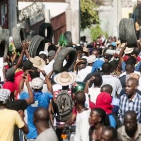 Manifestation antigouvernementale à Port-au-Prince © Jean Marc Hervé Abélard-Le Nouvelliste