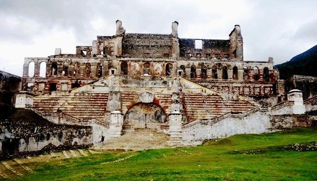 Les ruines du palais Sans Souci (Milot) © Osman