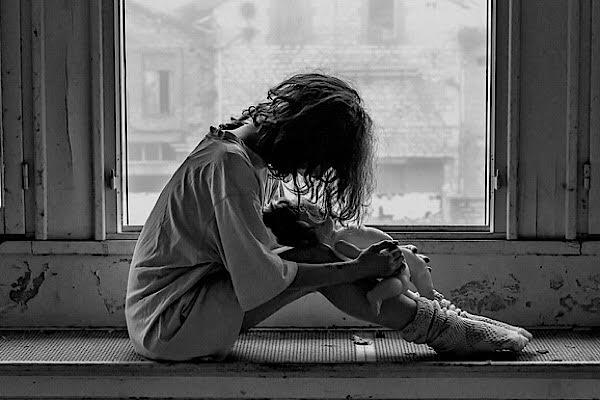Femme triste (c) pixabay.com
