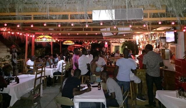 Vie nocturne à Saint-Marc, Haïti (c) Osman