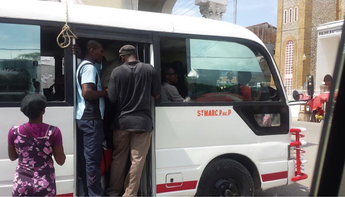 Transport en commun en Haïti (C) Osman