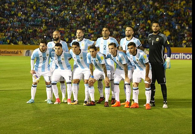Sélection d'Argentine de football via : https://commons.wikimedia.org/wiki/File:ECUADOR_VS_ARGENTINA_(36916460184).jpg